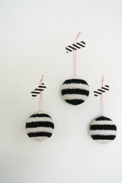 "Crochet Christmas ornaments/Little Helsinki: Preview ""Stripes part 1"""