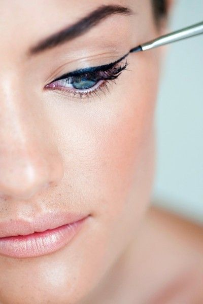 Liquid eyeliner (via @DreeHarper)