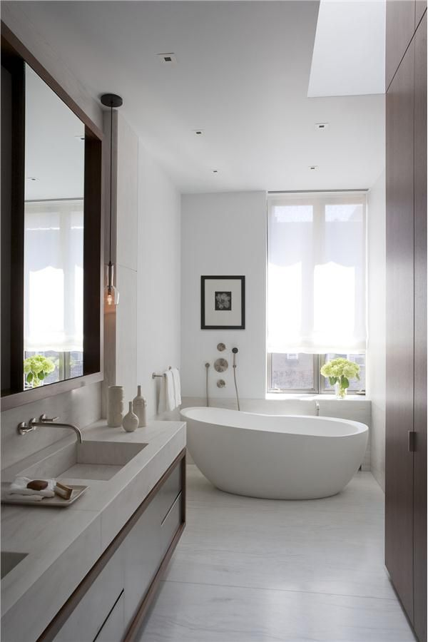 Contemporary bathroom by David Howell