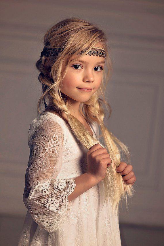 Mädchen Blumenmädchen Weihnachten Kleid, erste Kommunion Kleid, Off-White Lace Dress, Boho-Blumen-Mädchen, Mädchen Kleinkind Spitzenkleid, Boho-Hochzeit – Sophie