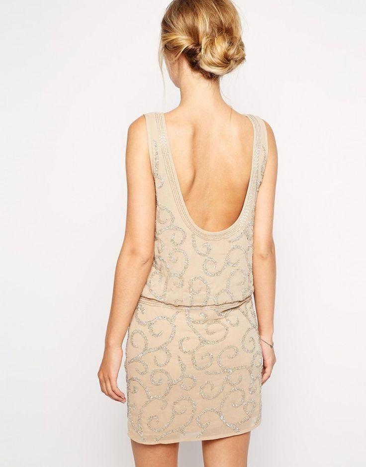 Vestido con espalda descubierta