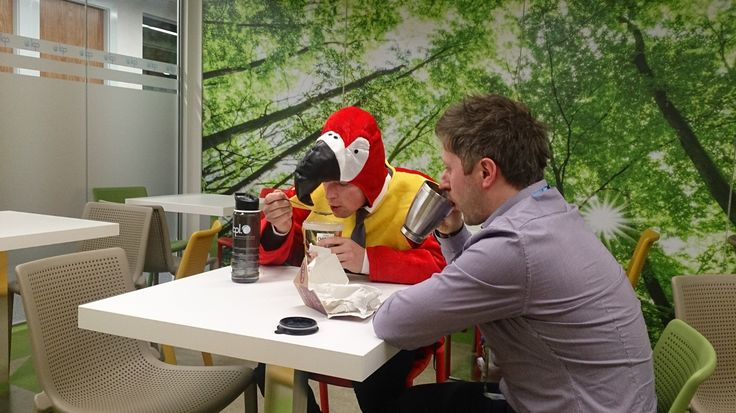 Robbie's lunch was a little more rushed than usual, can't imagine why…. #TheCplParrot