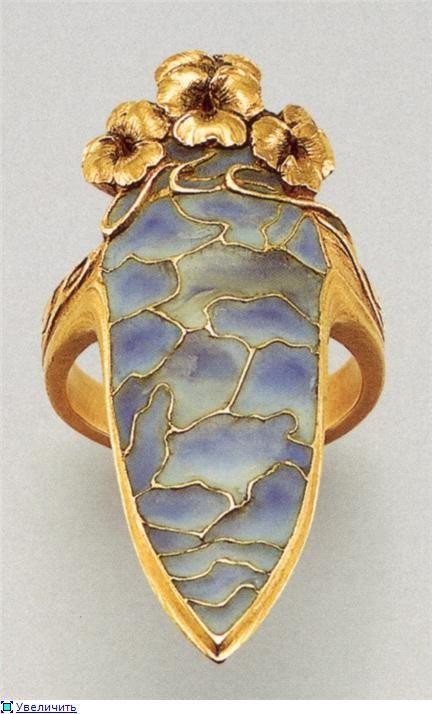 Art Nouveau ring by Lucien Gaillard