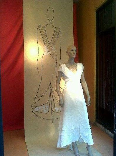 Vidriera Anexo  Boceto y vestido Novia de Francisco Ayala