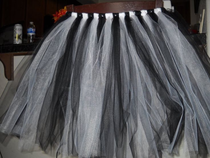 So I Saw This Tutorial ...: Halloween Tutus! Part 3 - Zebra's ROCK!