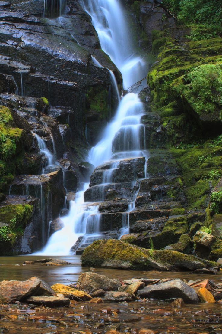 Travel | North Carolina | Hidden Waterfalls | Beautiful | Unique | Outdoor Attractions | Hiking | Photography