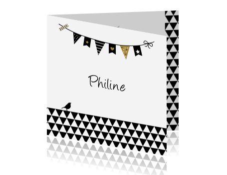 Hippe geboortekaart met vlaggetjes, driehoekjes en vogeltje voor een meisje. Met goud accenten.