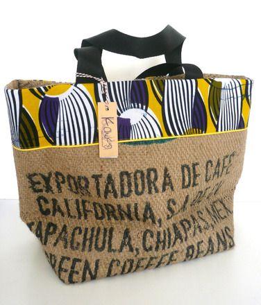 grand cabas en toile de jute beige (sac de café recyclé), avec application de tissu wax noire et jaune, passepoil jaune et anses en sangle noire, doublure coton noir. dimensio - 18780210