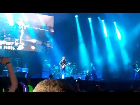 Muse Unveil New 'Drones' 90-Minute Live Show at Download Festival [WATCH] : Buzz : Music Times