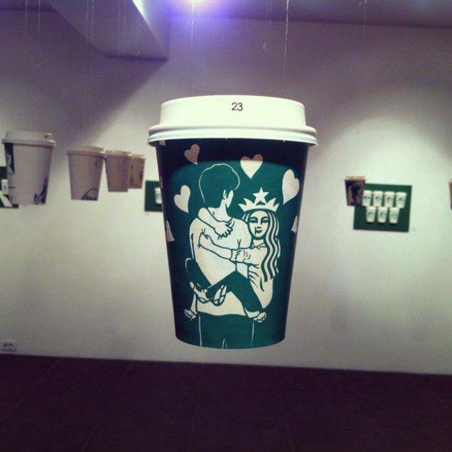 Copo do Starbucks vira arte