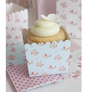 Divine blue floral scallop favour boxes by Sambellina!    Made with premium semi-gloss cardboard are perfect for party treats, popcorn or for dressing up or carrying a cupcake - a natural addition to your perfectly styled party!    Little Boo-Teek - High Tea Party Supplies | Sambellina Party Products | Shop Designer Party Products
