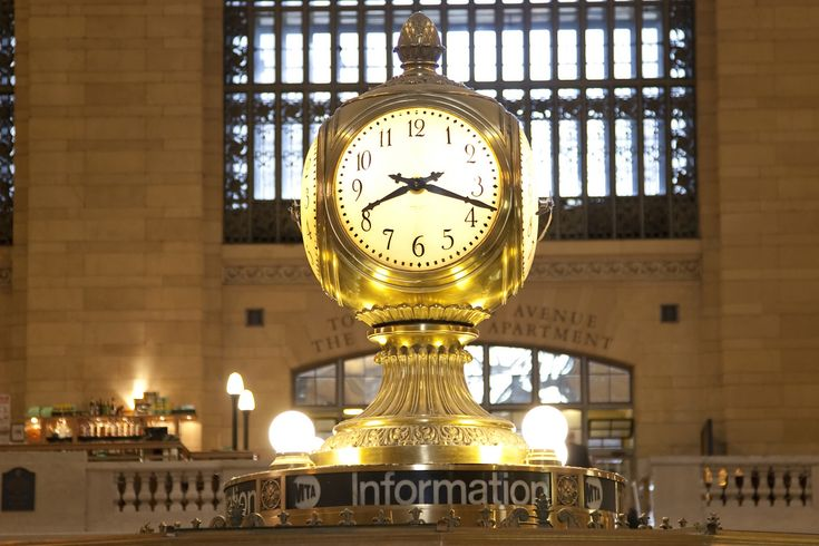 Built In 1913 The Grand Central Terminal Clock Is The