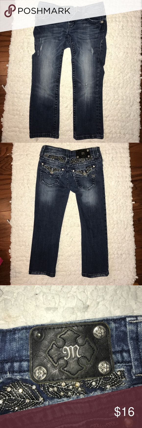 Authentic miss me capris Miss me capris' only flaw is the 1 missing button in the 3rd picture, other than that it's great!! Barely worn. Miss Me Jeans