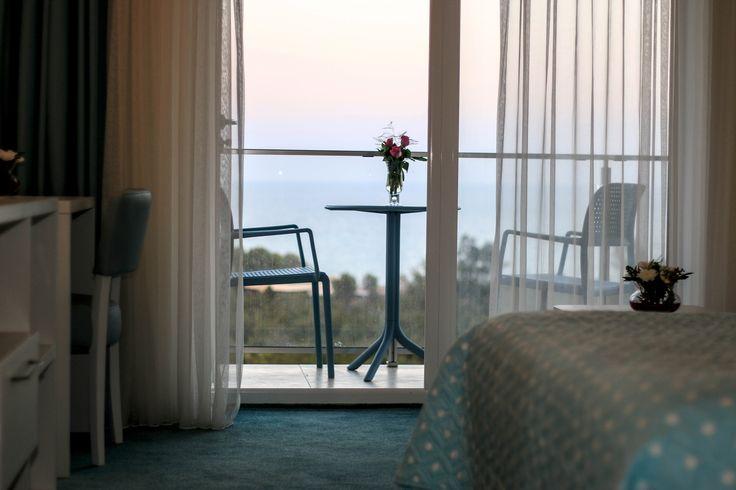 Privelistea de dimineata :)  #room #holiday #view