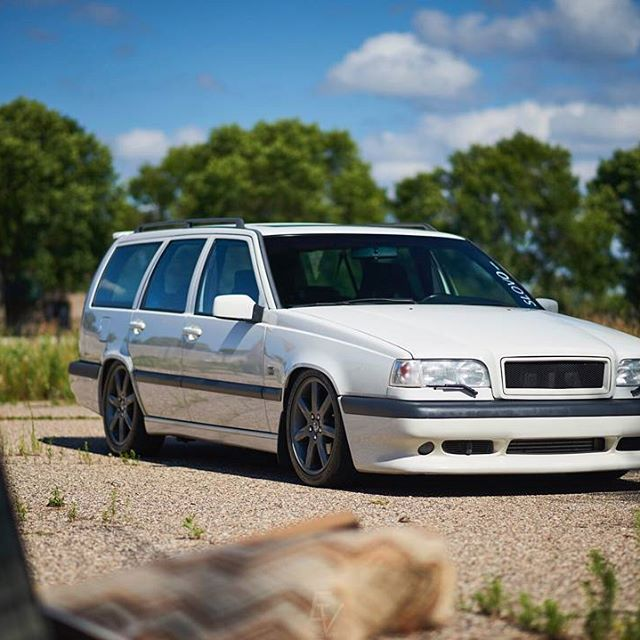 Today's #featurefriday is @thetsho 's immaculate 850R. Looking to get your Volvo featured? Send us a direct message of your Volvo with the #featurefriday tag for a chance to show off your Volvo on our page! #ipdvolvo #850R