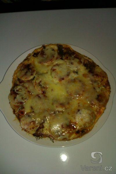 Recept na trochu ostřejší hemenex s anglickou slaninou a točeným salámem.