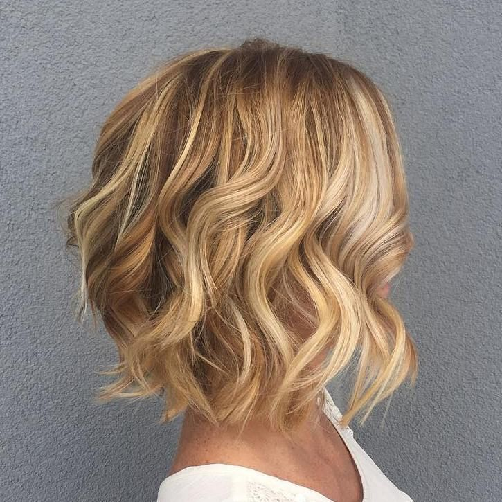 Caramel+Wavy+Bob+With+Blonde+Highlights