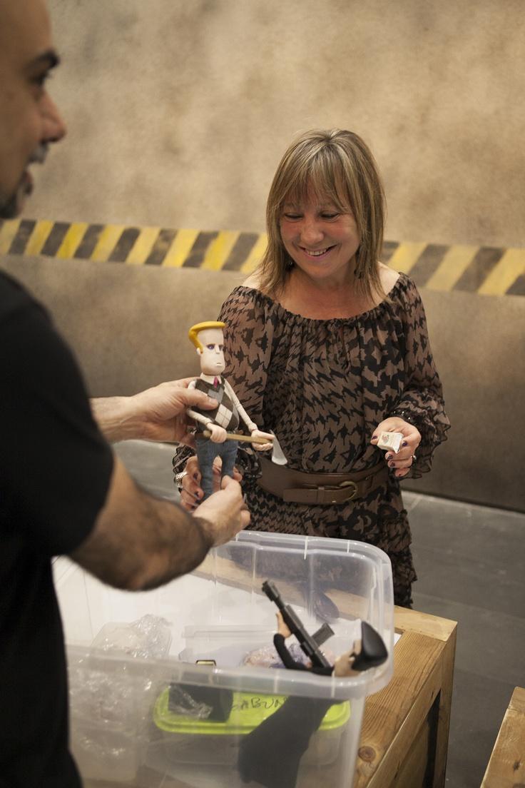 """Mª Jesús Puchalt con uno de los muñecos de """"Stop Motion Don't Stop"""""""