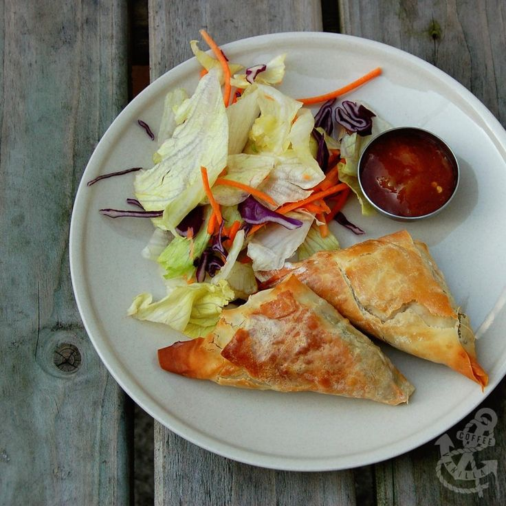 Easy Baked Vegetarian Samosas with Carrots and Peas