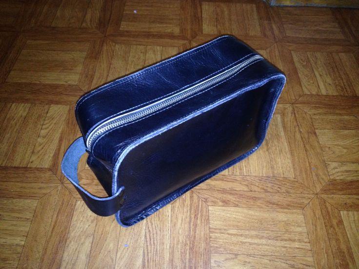 Men's leather toiletry kit