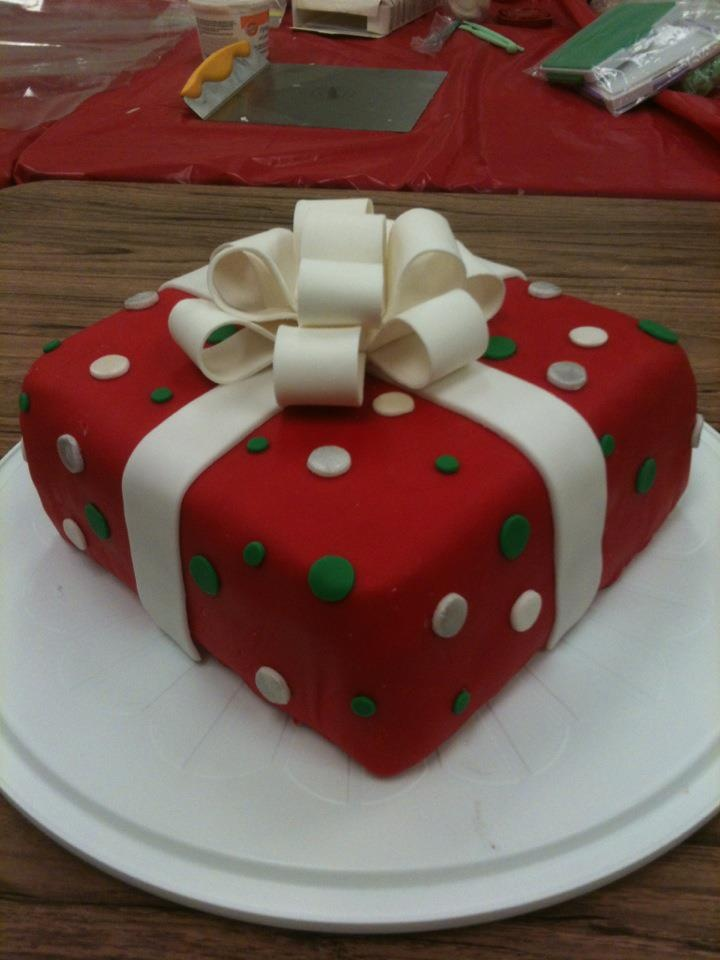 Unique Christmas Cake Decorating Ideas : 54 best images about Wilton Cake Decorating on Pinterest ...