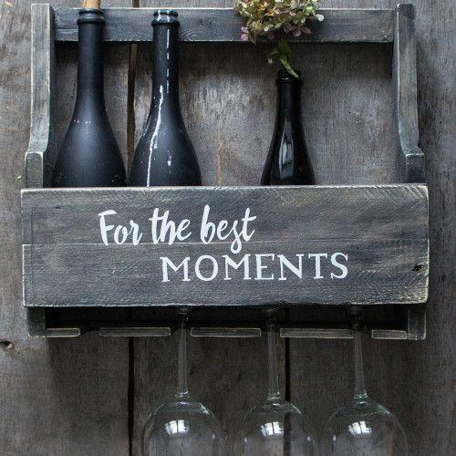 Shelf for bottles and wineglasses.  Полка для бутылок и бокалов.