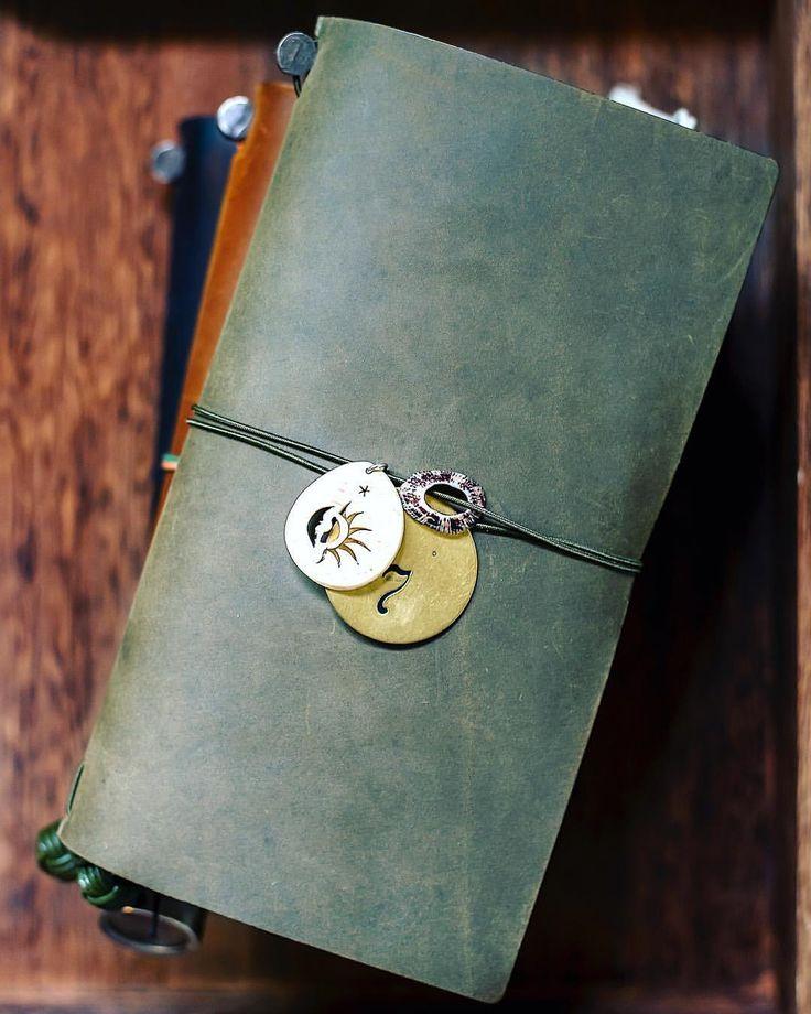 My olive finally came!!!!!. . . . . . . #travelwriter#traveller#traveling#travelersnotebookinserts#travelersnotebookmalaysia#書く #マスキングテープ #旅行記 #旅日記 #旅ノート #スケジュール帳#カフェ #コーヒータイム #文具#トラベラーズカンパニー #トラベラーズノートレギュラーサイズ