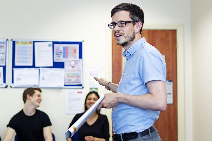 Escola de inglês na Irlanda oferece bolsa para brasileiros