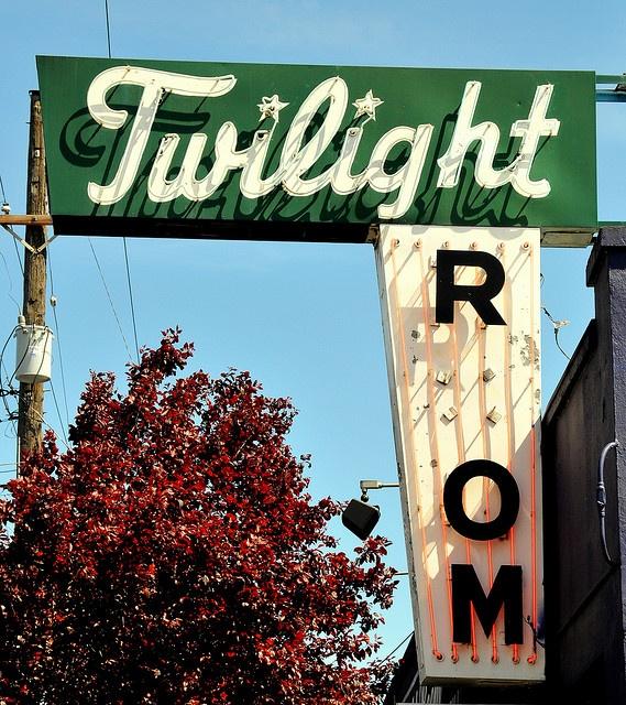 twilight room - vintage signs