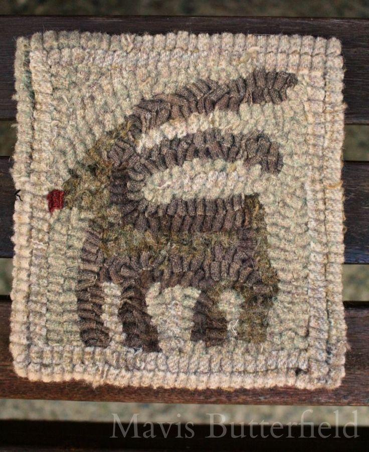 Primitive Folk Art Wool Hooked Rug / Mat Old Reindeer