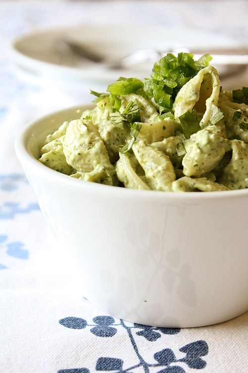 Creamed avocado and lime chilled pasta.: Limes Pasta, Creamy Avocado, Pasta Salad, Limes Chill, Avocado Limes, Cream Avocado, Cilantro Pasta, Avocado Paste, Chill Pasta