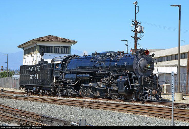 RailPictures.Net Фото: ATSF 3751 Ачисон, Топика и Санта-Фе (ATSF) Паровая 4-8-4 в Лос-Анджелесе, штат Калифорния Крейг Уокер