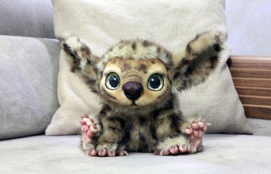 Bambola della creatura di fantasia - il suo nome è Booboo (Made su ordinazione)