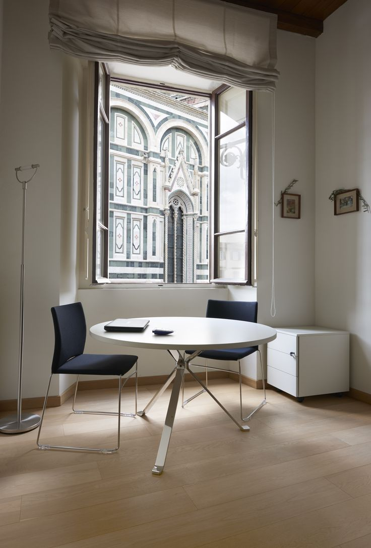 Revo table with white round top and chromed legs at Museo dell'Opera di Santa Maria del Fiore / #Florence offices #Duomo #Art