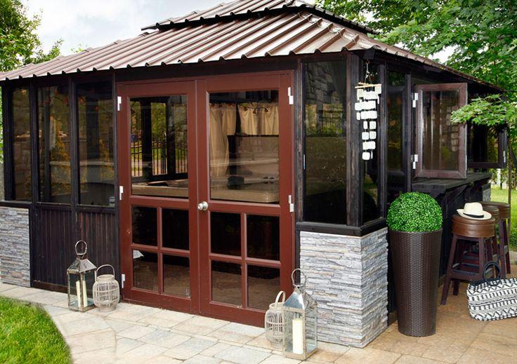 D'allure distinctive et haut de gamme, le pavillon ajoutera richesse à votre environnement de jardin.