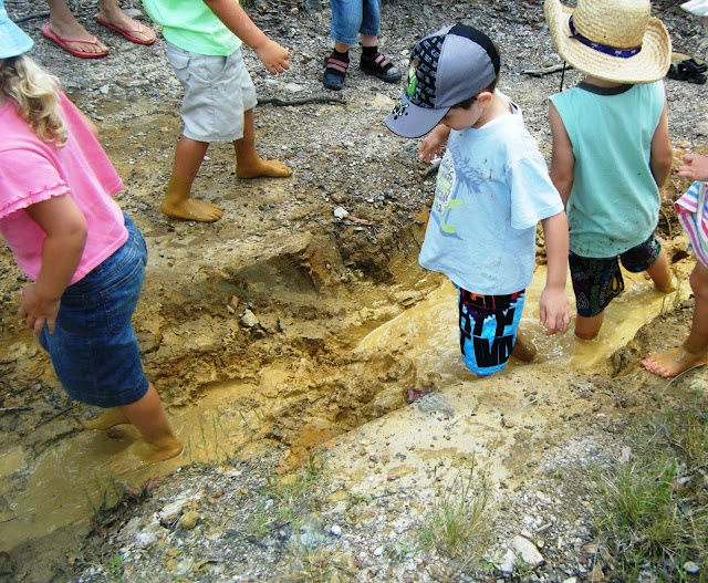 let the children play: 7 tips for mud play: Outdoor Classroom, Bring Mud, Nature, Plays, Tips, Children Play, Preschool