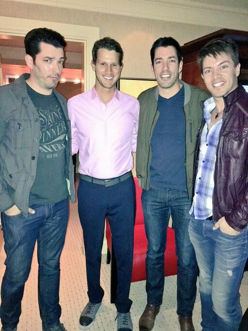 Good times with danieltosh tonight he can 39 t be all that for How tall are the property brothers