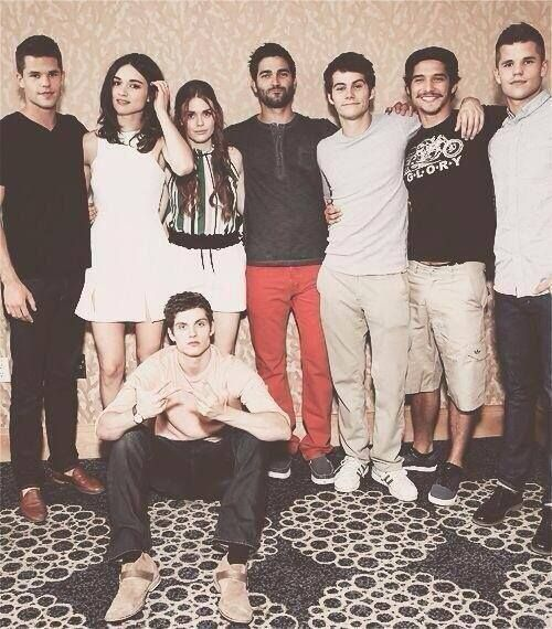 Crystal Reed, Holland Roden, Tyler Hoechlin, Dylan O'Brien, Tyler Posey, Daniel Sharman and Max & Charlie Carver