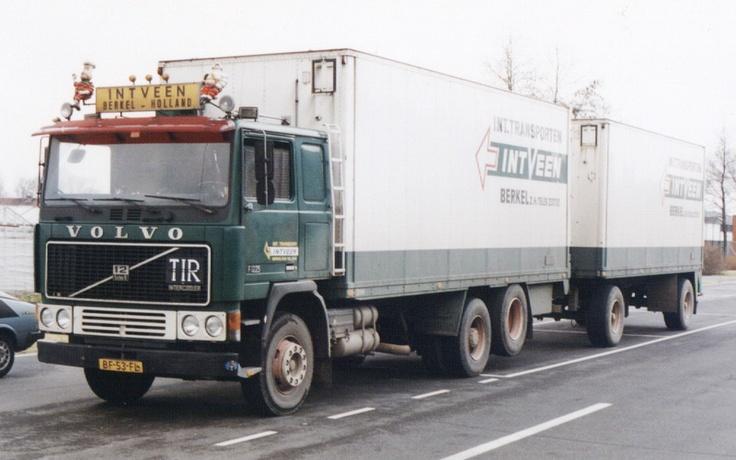 Combinatie Volvo op het veilingterrein Bleiswijk