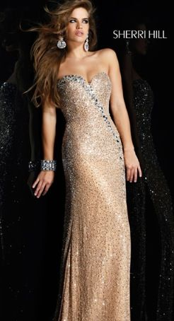 Gold prom dress. Can I please have it!?