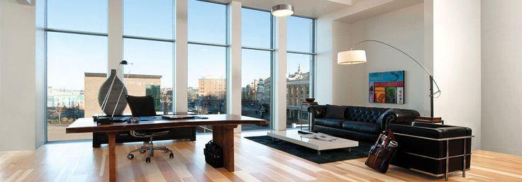 TIPS MEMILIH LANTAI RUMAH YANG COCOK - Ketika Anda punya rencana untuk renovasi bangunan atau rumah, apa yang akan Anda pikirkan pertama kali untuk mendapatkan hasil akhir yang indah, nyaman, dan sempurna? Apakah Anda berpikir untuk mengganti furniture? Atau Anda akan mengganti polesan untuk dinding sebagai prioritas utama? Pernahkah Anda menaruh perhatian untuk lantai?