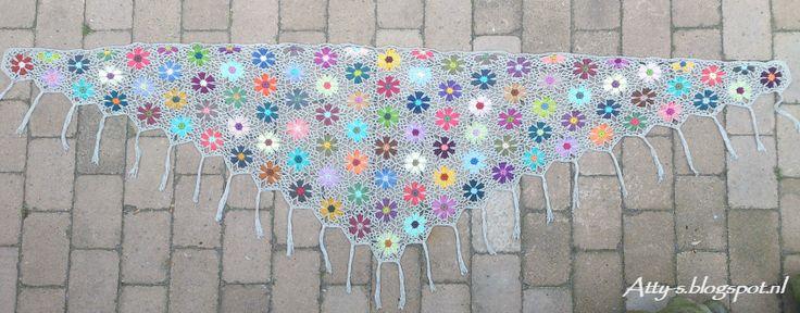 Atty's : Catona Flower Shawl Pattern/Tutorial https://www.facebook.com/AttysLoveForCrochet