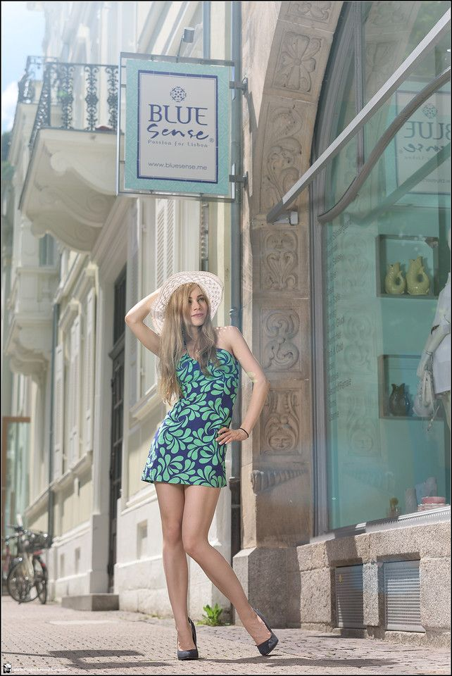 Images Beyond Words, Fashion Book, Fashion, High Fashion, Serge Daniel Knapp, Heidelberg, female model, model, topmodel, outdoor, Heidelberg, dress, summer, city, town, center, long legs, blonde, hat, green, blue, window, flash, priolite, old town, mediterranean, style