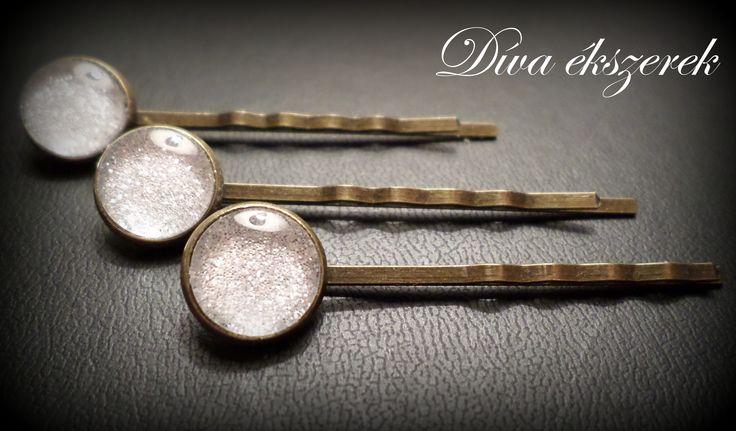 Ragyogó hajcsatok. Glitter hairpins. Check my site for more: facebook.com/divaekszerek