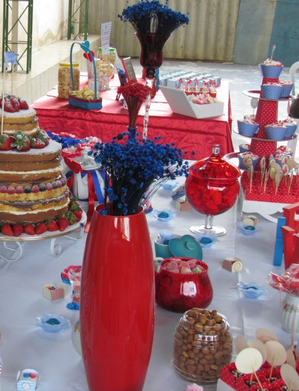 cha-de-panela-faca-voce-mesmo-decoracao-azul-vermelho-e-branco-bolo-desconstruido-naked-cake+(2)