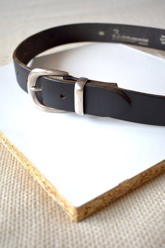 8c50e5588901 Vintage 90 s black leather belt  High-waist belt  Silver buckle black belt   Hipster short leather belt  Distressed belt  Grunge belt  85cm