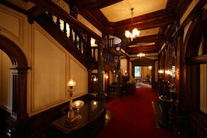 桜三昧が味わえるクラシックな洋館ホテル。