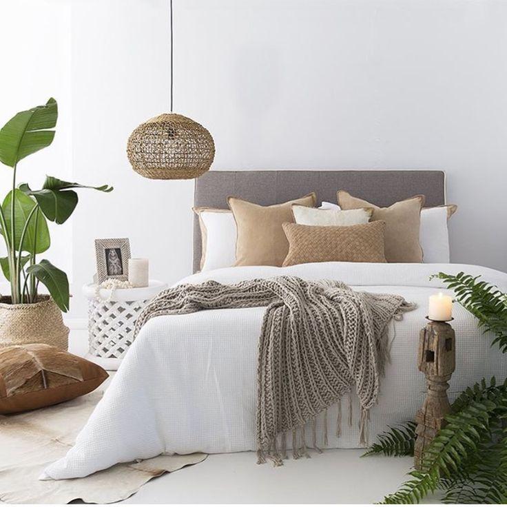 Farbkombi Weiß, beige, holz, grau, grün Schlafzimmer