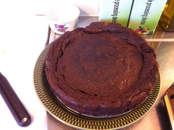 THE best LCHF chocolate cake in the entire universe… (150 grams butter = 2/3 cups) This will bake in hot oven (425)  for 15 min, then oven is turned off, door left ajar until cake cools