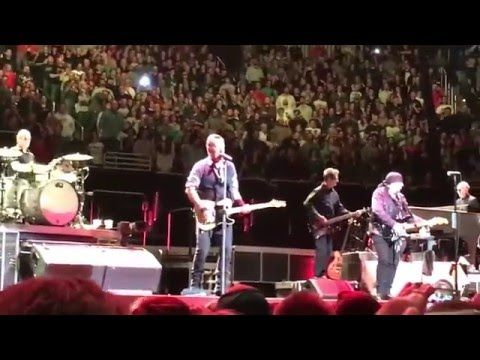 Bruce Springsteen and the E Street Band - Meet Me In The City (Live in Pittsburgh) - YouTube